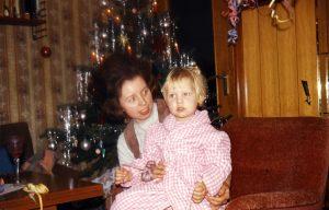 Bei Mama auf dem Schoß