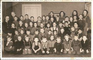 Nachkriegs-Kindergarten