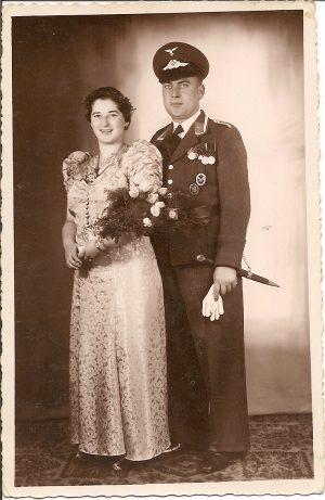 Hochzeit in Uniform