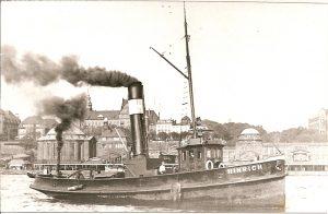 Dampfschepper auf der Elbe