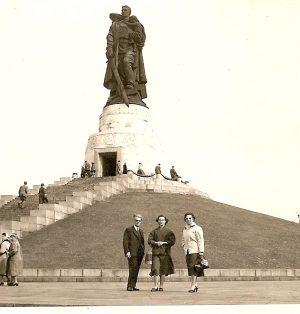 Am sowjetischen Ehrenmal