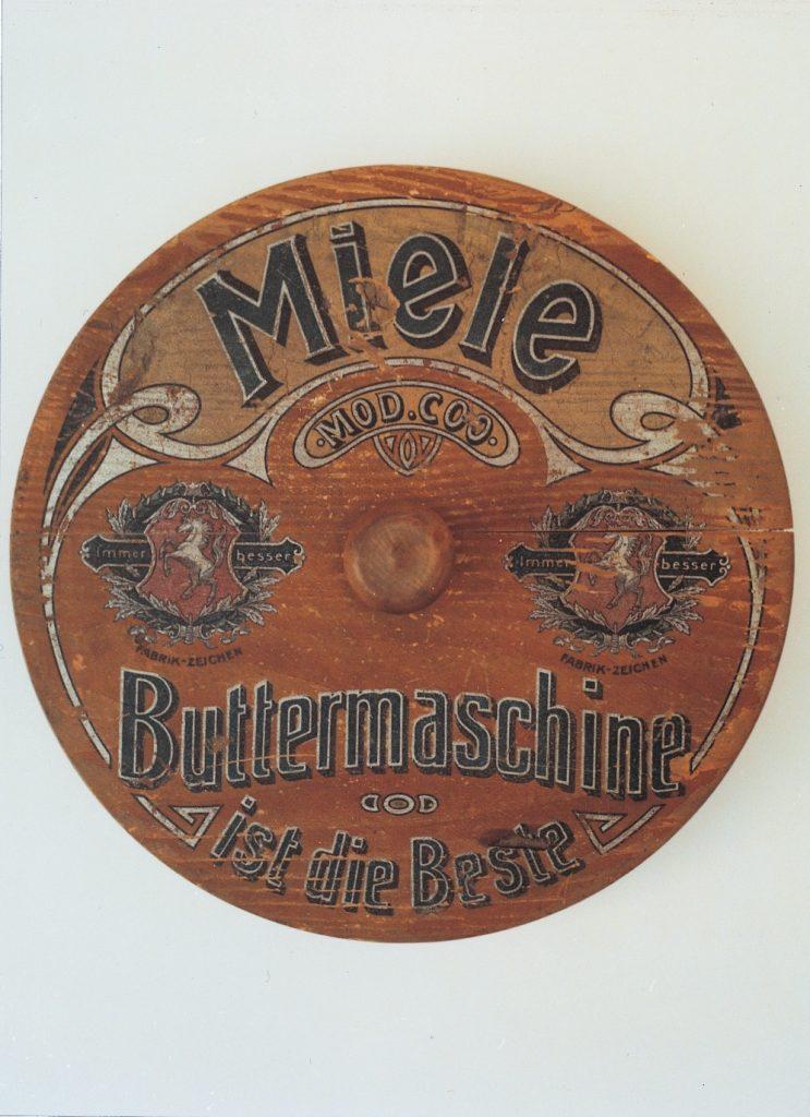 1901 1901 deckel einer miele buttermaschine fotos auf. Black Bedroom Furniture Sets. Home Design Ideas