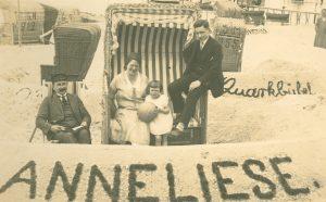 Familie am Ostseestrand, 1926
