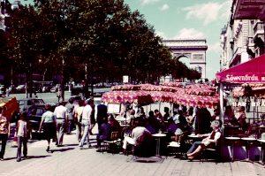 Champs Elysee, Triumphbogen, Straßencafe, 1972