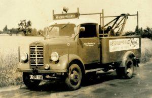 Köln Abschleppdienst der Opelwerkstatt Henschen