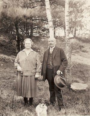 Ida und Theodor mit Hund Nelly