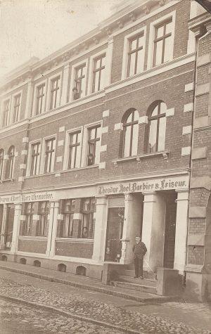 Barbier & Friseur Geschäft 1912
