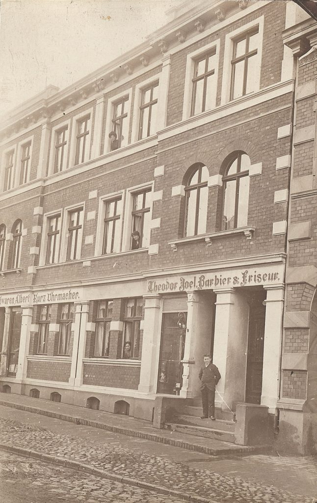 1912 Barbier Friseur Geschäft 1912 Fotos Auf Chroniknetcom
