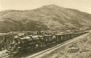 Kurve der Great Northern Pacific Bahn im Felsengebirge, Montana