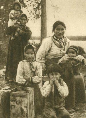 Jalkutenfrauen und Kinder, Alaska