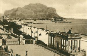 Palermo und der Monte Pellegrino, Italien