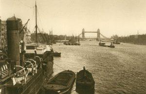 Themse und die Tower-Brücke, England