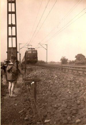 An der Bahnstrecke nahe Darmstadt