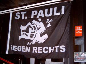 Fahne gegen Rechts