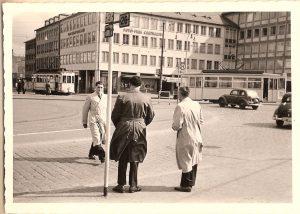 Darmstadt : Szene auf dem Luisenplatz 1952