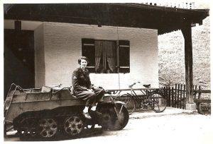 Kettenfahrzeuge im Gebirge 1947