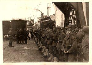 Vor dem Einschiffen nach Norwegen – 1941