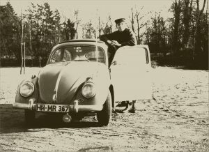 VW Käfer mit ovalem Heckfenster
