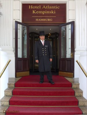 Doorman Hotel Atlantic