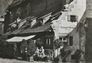 Bratwurstgloecklein Nuernberg 1942