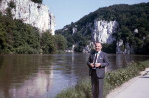 Urlauber vor der Donau