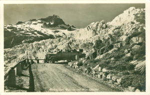 Furkastrasse, Postauto und Rhonegletscher